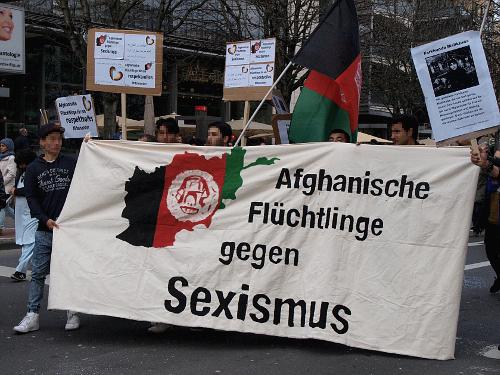 Afghanische Flüchtlinge gegen Sexismus
