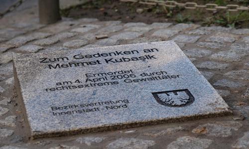 Gedenkstein für Mehmet Kubaşik